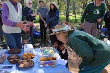 A pearler of a celebration for Friends of Aranda Bushland